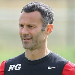 Giggs: Eyeing 13th league title