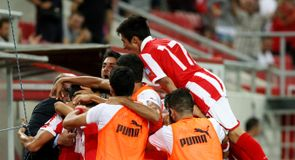 Greeks shock Arsenal