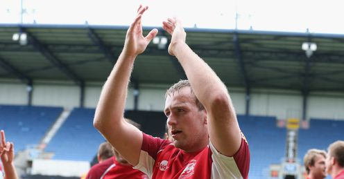 Jonathan Mills celebrating victory for London Welsh