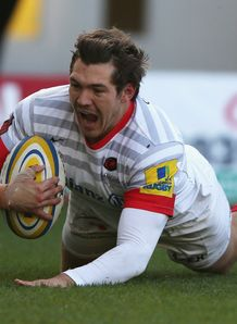 Alex Goode of Saracens dives over for a try