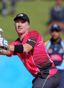 Sydney Sixers beat Sydney Thunder in Big Bash derby clash at SCG