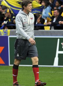Scarlets coach Simon Easterby reacts to heavy defeat by Clermont Auvergne