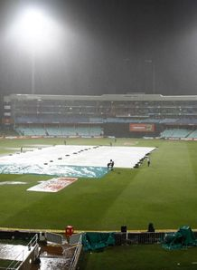 South Africa v Pakistan, 1st T20; Match abandoned without a ball bowled