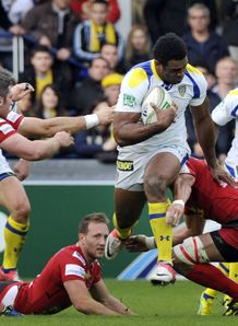 Napolioni Nalaga clermont v Scarlets 2012