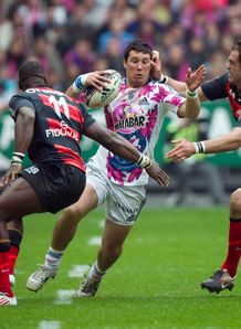 Stade Francais centre Martin Rodriguez Gurruchaga 2ndR vies with Toulouse