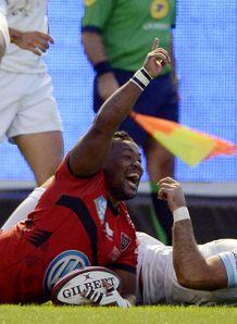 Toulon s flanker Steffon Elvis Armitage C jubilates