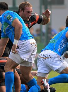 Treviso v Toulouse Tobias Botes on a run