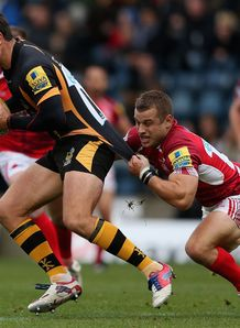london welsh v wasps hugo southwell