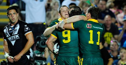 Cameron Smith mobbed Australia v New Zealand