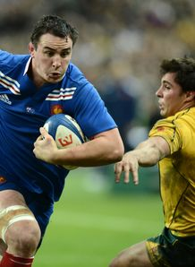France number eight Louis Picamoles L runs past Australia s scrum half Nick Phipps