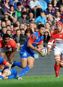 Grenoble s fly half Jonathan Pelissie v Biarritz