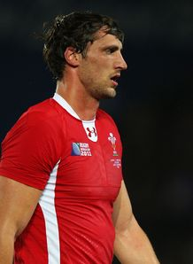 Luke Charteris Wales1