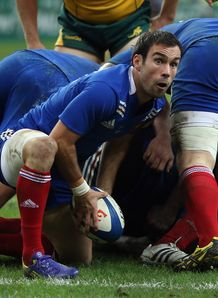 Morgan Parra of France passes v Australia 2012