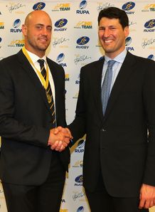 Nathan Sharpe with John Eales
