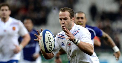 Frederic Michalak R runs to score a try France vs Samoa