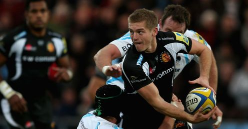 Gareth Steenson of Exeter Chiefs is tackled by Chris Jones of Worcester Warriors