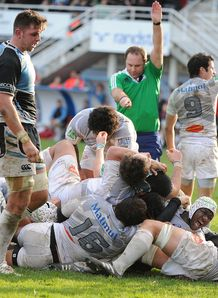 Castres flanker Yannick Caballero C scores v Glasgow