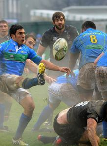Edoardo Gori of Benetton Treviso v Leicester