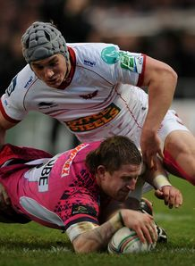 Exeter Chiefs Simon Alcott scores v Scarlets