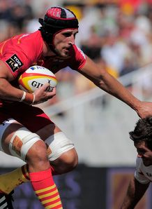Luke Charteris on a run for Perpignan
