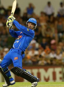 Phillip Hughes hit 74 as Adelaide Strikers beat Perth Scorchers by six wickets
