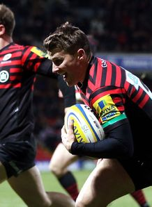 Richard Wigglesworth heads for tryline Saracens v Gloucester