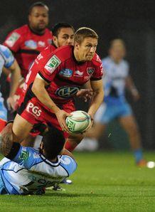 Toulon flyhalf Jonny Wilkinson releases v Sale