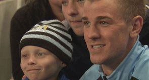 Hart warming! 6 year old cancer sufferer Hayden Whitbread meets the Manchester City team