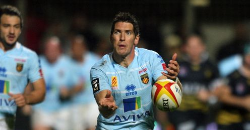 Perpignan s welsh fly half James Hook C