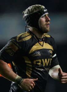 Ryan Jones jogging for Ospreys