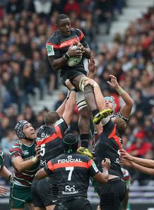 Yannick Nyanga of Toulouse lineout v Leicester