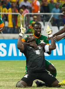 African Nations Cup: Goalkeeper Kennedy Mweene earns Zambia 1-1 draw with Nigeria