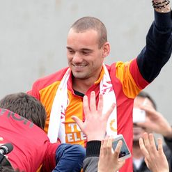 Sneijder: Swaps Milan for Istanbul