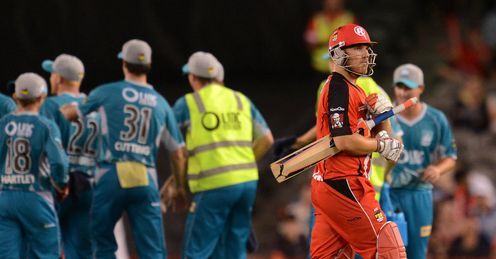 Aaron Finch dismissed Melbourne Renegades v Brisbane Heat Big Bash