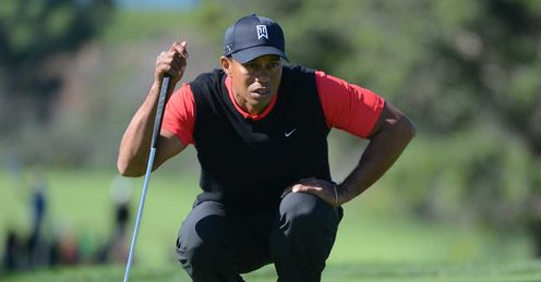 Tiger Woods heads for victory Monday