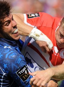 Biarritz s fullback Iain Balshaw R vies with Montpellier s fullback Jean baptiste Peyras