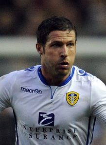 Championship: David Norris and Steve Morison earn Leeds 2-0 win over Blackpool