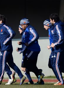 France s national team players warm up 6N 2013