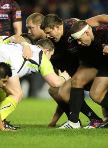 Ospreys Edinburgh scrum