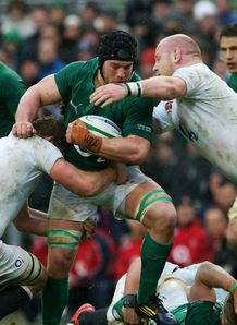 Six Nations: England stay on course for Grand Slam after beating Ireland