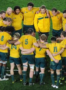 Wallabies huddle 2011 RWC