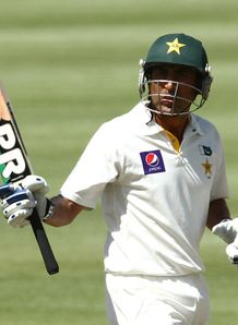 Vikram Solanki applauds Pakistan's fightback on day one of the second Test against South Africa