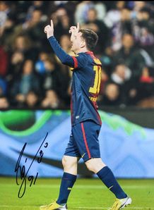 Messi Signed Photo