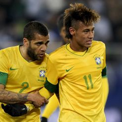 Alves: Luring Neymar to Spain