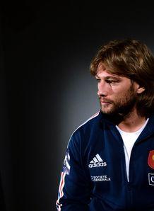 Dimtri Szarzewski side on for France