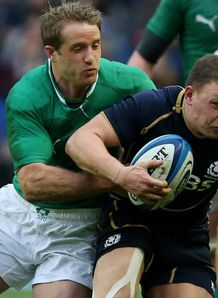 Luke Fitzgerald tackling Duncan Weir