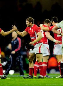Sam Waburton high five with Leigh Halfpenny
