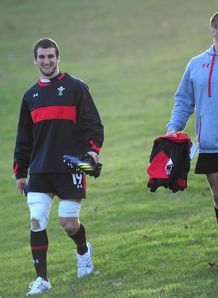 Sam Warburton walking to training with Gethin Jenkins