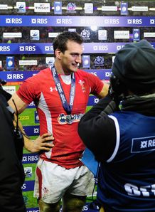 Wales flank Sam Warburton getting man of the match award