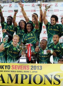 South Africa Tokyo Sevens lifting the trophy after beating New Zealand in the final